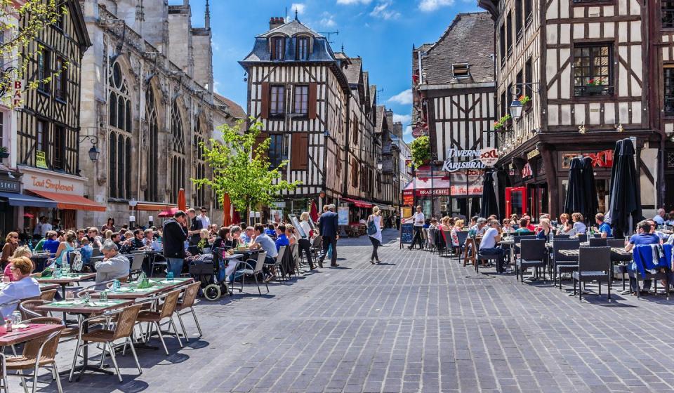 Rue piétonne à Troyes