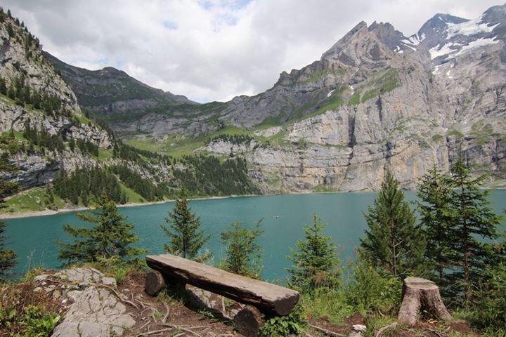 Lac d'Oeschinen en Suisse.