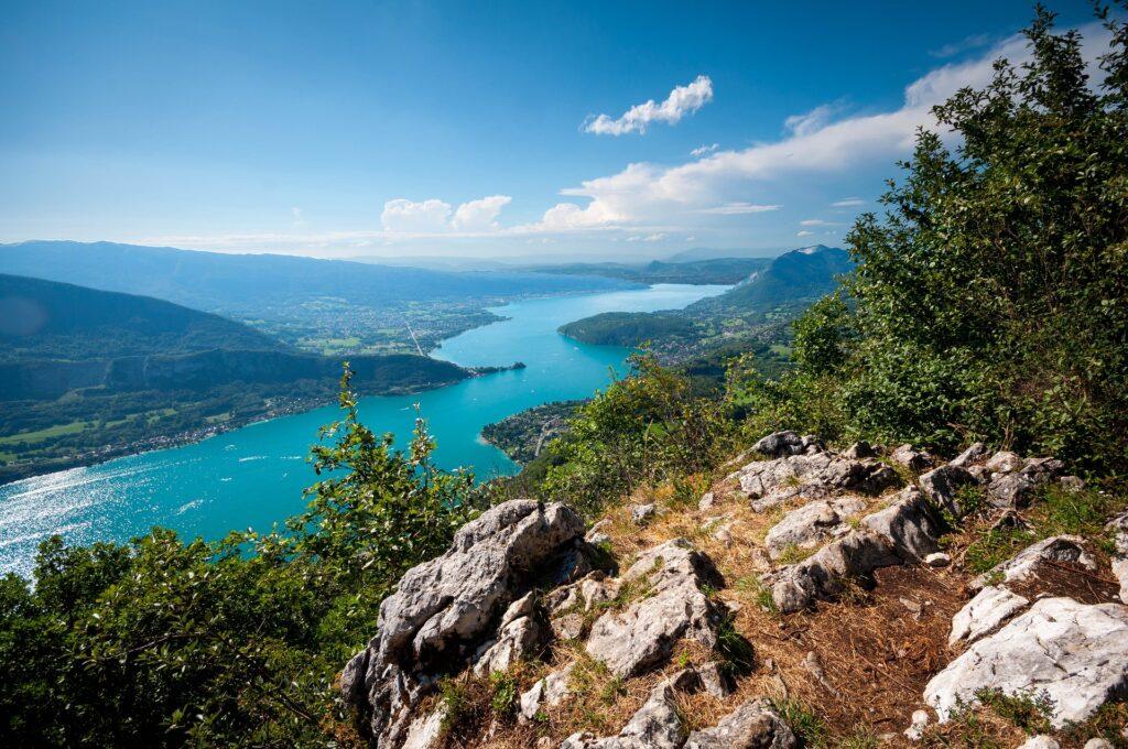 Lac Annecy : les spots de baignade DogFriendly