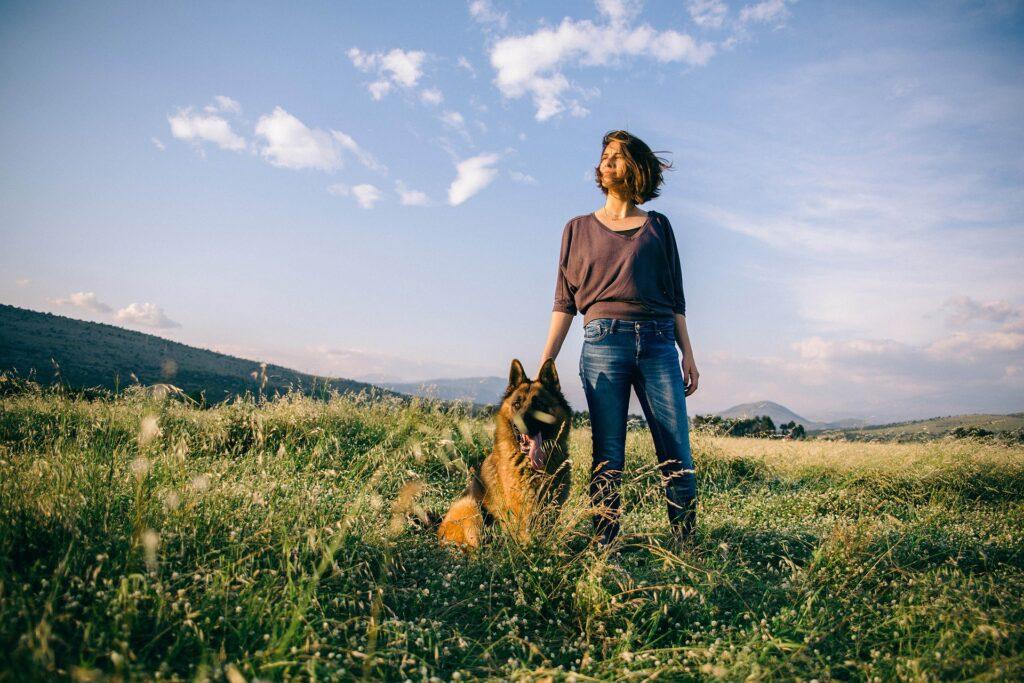 Pourquoi partir randonner seule avec son chien