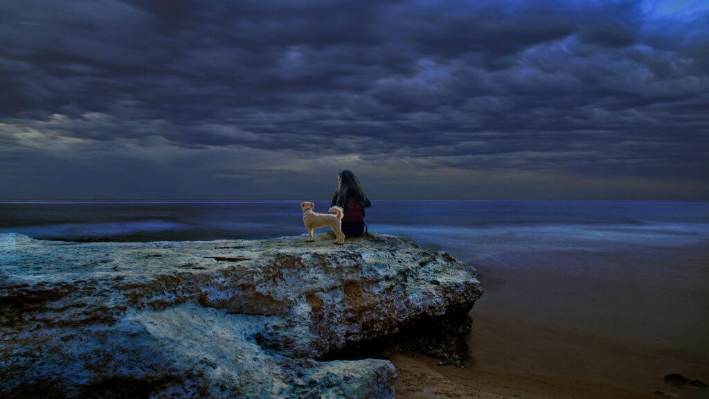 Randonnée en tant que femme avec chien : la préparation physique